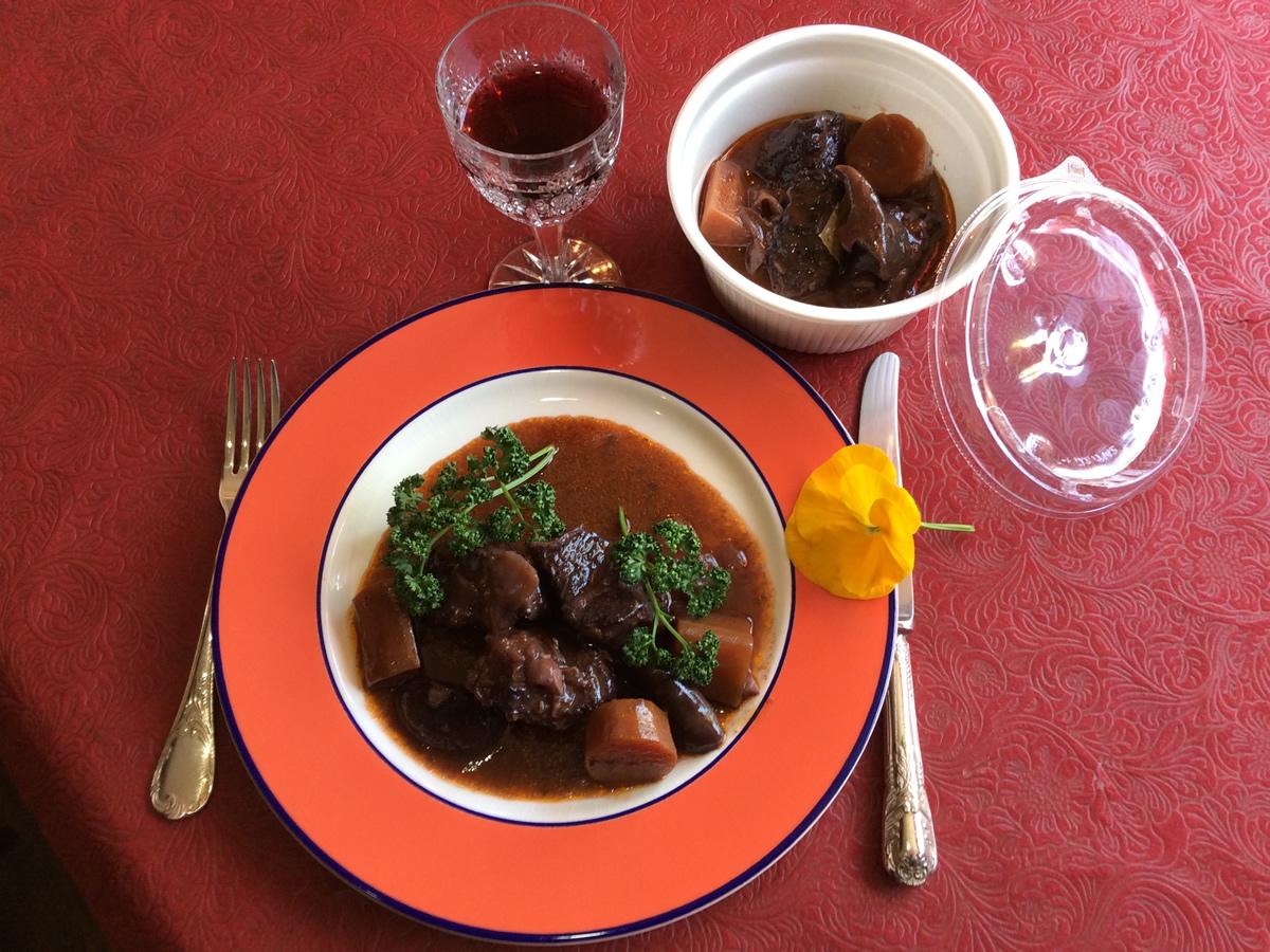 ビーフのほほ肉の赤ワイン煮込み